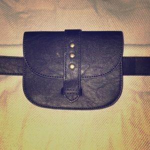 Trendy Black Fanny pack